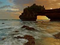 Enam Tempat Wisata Yang Wajib Dikunjungi