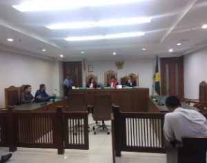 Tidak Hadiri Persidangan, Majelis Hakim Tunda Persidangan