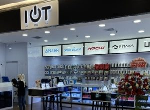 Buka Gerai Pertama IOT Gadget Store di Emporium Mall, Konsumen Serbu Smartphone 5G
